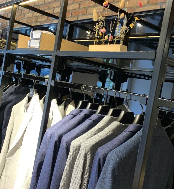 Van sweaters tot pakken, poloshirts tot overhemden. Strellson heeft alles voor de moderne man.